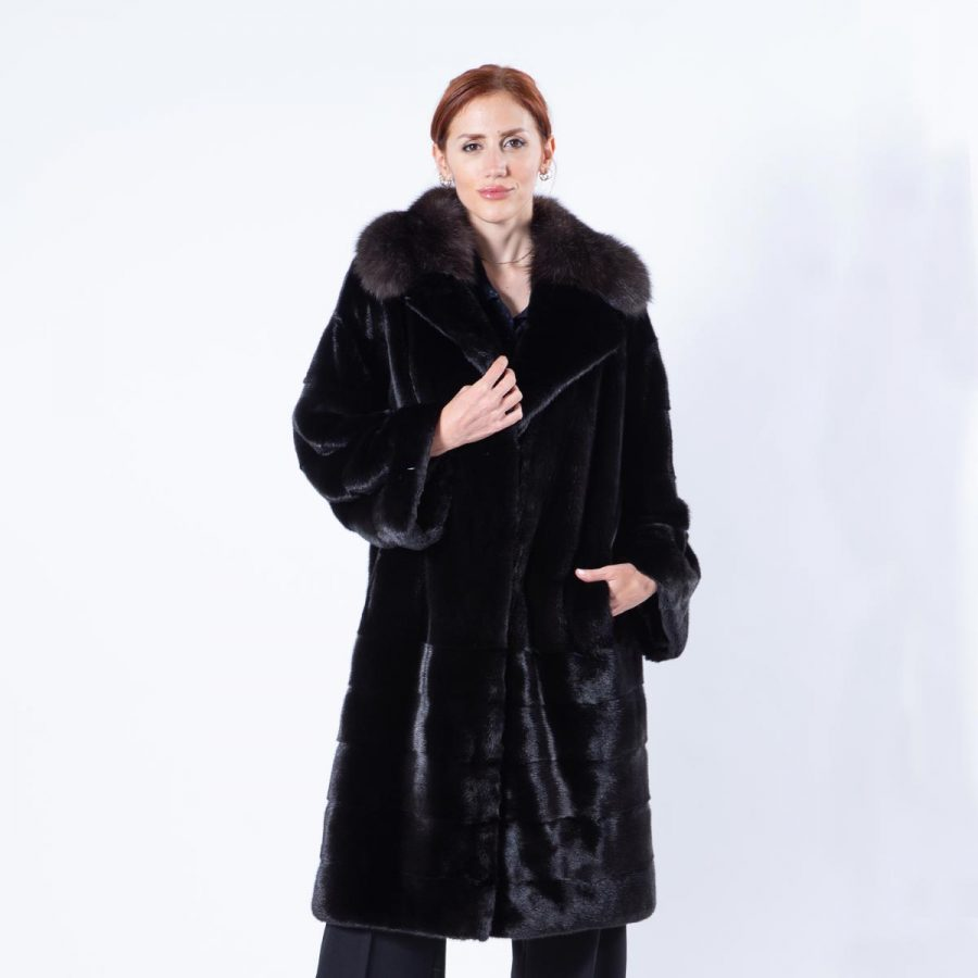 Blackglama Mink Coat with english collar | Sarigianni Furs
